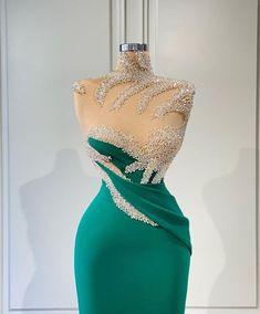 Elegant Dresses Classy, Stylish Dresses For Girls, Stunning Dresses, Classy Dress, Pretty Dresses, High Fashion Outfits, Fashion Dresses, Event Dresses, Prom Dresses