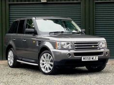 2008 Range Rover Sport 2.7 TDV6 HSE 5-door auto estate. Grey with cream/beige leather interior. Full service history.