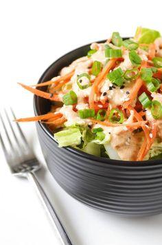 Garlic Ginger Salad Dressing - Yummy - Past Ginger Salad Dressing Japanese, Japanese Salad, Asian Recipes, Healthy Recipes, Ethnic Recipes, Japanese Recipes, Rice Recipes, Keto Recipes, Healthy Food
