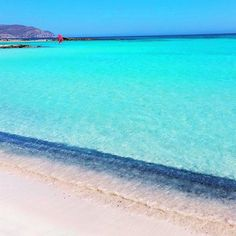 The amazing turquoise waters of Elafonissi in Crete