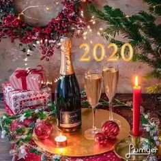 Merry Christmas Gif, Christmas Is Coming, Christmas Home, New Years Day Meal, New Years Party, Happy Birthday Messages, Christmas Decorations, Table Decorations, Happy New Year 2020