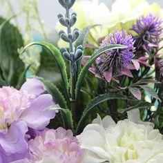 Las flores serán las protagonistas del #tutorial #diy de mañana... Adivináis que haremos con ellas?