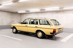 Mercedes-Benz S 123 230 TE. Benz S, Sub Brands, Maybach, Station Wagon, Fiat, Mercedes Benz, Classic Cars, Antique Cars, Vintage Classic Cars