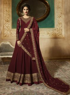 Looking to buy Anarkali online? ✓ Buy the latest designer Anarkali suits at Lashkaraa, with a variety of long Anarkali suits, party wear & Anarkali dresses! Churidar, Salwar Kameez, Salwar Suits, Bridal Anarkali Suits, Plazzo Suits, Sharara, Bridal Lehenga, Robe Anarkali, Costumes Anarkali