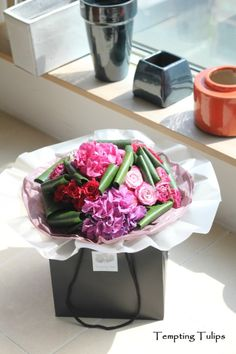 Hand Tied by Tempting Tulips. 꽃다발 120,000 KRW http://temptingtulips.co.kr