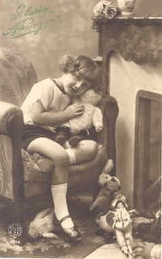Girl with dolls Old Teddy Bears, Vintage Teddy Bears, Teddy Bear Pictures, Birthday Postcards, Cute Little Animals, Bear Toy, Old Toys, Vintage Pictures, Vintage Photographs