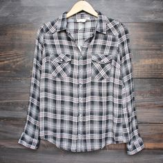 vintage affair soft button up womens plaid flannel long sleeve shirt - black/red