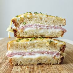 Learn how to make the traditional Croque-monsieur, an iconic French sandwich, with French Chef, Vincent Guiheneuf. This creamy, decadent ham & gruyere sandwich originated in Paris cafés as a snack but is also ideal served for lunch with a side salad. French Sandwich, Traditional French Recipes, Food Porn, French Dishes, Love Food, Brunch, Food And Drink, Yummy Food, Gastronomia