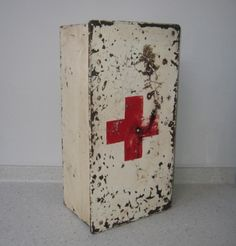 1940's industrial metal first aid box/medicine cabinet from  wattandpew.com