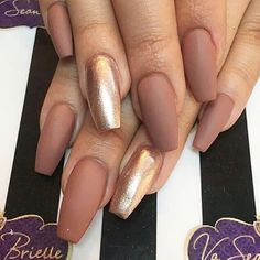 💋𝙄𝙛 𝙔𝙤𝙪 𝙇𝙞𝙠𝙚, 𝙅𝙪𝙨𝙩 𝙁𝙤𝙡𝙡𝙤𝙬 𝙐𝙨 💋 MERNUR hopes these 85 Best Cute and Natural 💕 Glitter Nails Design (Matte Nails, Acrylic Nails) for Winter that can help you out. Coffen Nails, Coffin Nails Matte, Coffin Shape Nails, Nude Nails, Hair And Nails, Glitter Nails, Glitter Converse, Prom Nails, Artificial Nails