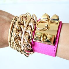 Pink collier de chien bracelet by Hermes cute for spring #girly #accessories +++For tips and advice on #trends and fashion, Visit http://www.makeupbymisscee.com/