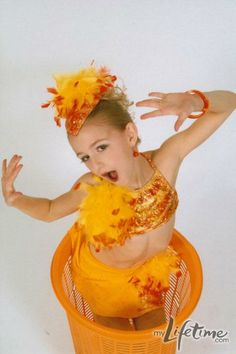 I LOVE dance moms and chloe is my favorite!!