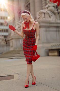 Vintage Pencil Dress, Modern Vintage Dress, Vintage Dresses, Vintage Outfits, Vintage Fashion, Vintage Wear, Vintage Style, Cute Dress Outfits, Chic Outfits