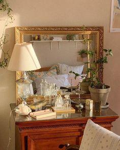 Room Ideas Bedroom, Bedroom Decor, Bedroom Inspo, Pretty Room, Aesthetic Room Decor, Dream Home Design, Dream Rooms, Cool Rooms, My New Room