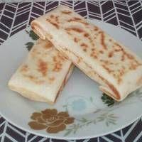 Pupusas Bacon, Bread, Ethnic Recipes, Food, El Salvador, Eten, Bakeries, Meals, Breads
