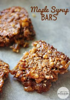 Maple Syrup Bars ~ I love the taste of real maple syrup! These bars are addicting. Sweet and sticky recipe for Maple Syrup Bars made with real maple syrup. Köstliche Desserts, Delicious Desserts, Plated Desserts, Sticky Recipe, Maple Syrup Recipes, Maple Dessert Recipes, Butter Tarts, Sweet Bar, Gourmet