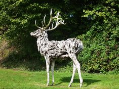 I want to visit Heather Jansch's studio- and see the life-size sculptures- horses, elk- I love them all!