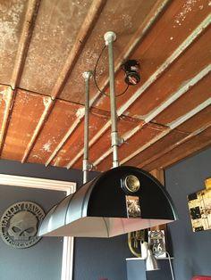 Fass als Lampe / barrel with integrated light Creative Area, Gas Pipe, Industrial Cafe, Backyard Bar, Sea Shells, Man Cave, Diy Furniture, Riding Helmets, Barrel