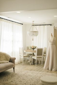 Garnish Boutique in Baltimore, Maryland by Stephanie Gamble Interiors | Photo by Krista A. Jones via the Glitter Guide