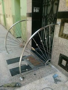 63 Ideas For Round Stairs Window Balcony Grill Design, Grill Door Design, Balcony Railing Design, Door Gate Design, Steel Stair Railing, Modern Stair Railing, Staircase Handrail, Railings, Steel Stairs Design