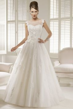 View Large Image »  RONALD JOYCE 66041  ££Price Guide££ £1000 - £2000Go BackFind a Stockist Near YouFEATURED Style: Ballgown  Fabric: Tulle, Satin and Lace  Colourways: Ivory or White  Size range: UK 6-30