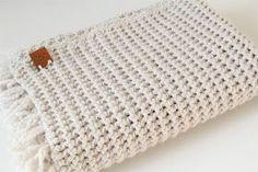 Gehaakt baby dekentje met stoere structuur (gratis patroon), Nederlands, kraamcadeau, #haakpatroon