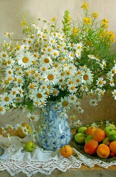 ideas art diy easy paper flowers for 2019 Summer Flowers, Cut Flowers, Fresh Flowers, Beautiful Flowers, Ikebana, Easy Paper Flowers, Vase Arrangements, Good Morning Flowers, Flower Delivery