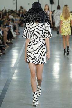 Emilio Pucci Spring 2017 Ready-to-Wear Fashion Show - McKenna Hellam
