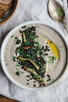 Schwarz Beluga-Linsen Hummus w / gerösteten Fenchel + Knoblauch   Dolly und Haferflocken