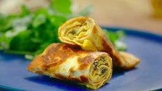 Nadiya Hussain served up tasty crispy egg rolls with mushrooms and fried tortilla wraps on Nadiya's Time to Eat. The ingredients are: 6 free-range eggs, 1 tbsp dried parsley, 1 tsp garlic granules,…Nadiya # Tortilla Wraps, Egg Tortilla, Eggs And Mushrooms, Stuffed Mushrooms, Nadiya Hussain Rezepte, Nadiya Hussain Recipes, Egg Roll Recipes, Dutch Recipes, Good Food