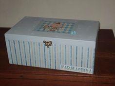 Farmacinha para quarto de bebê - menino!!! Para organizar medicamentos, termômetro e material para higiene de seu bebê.