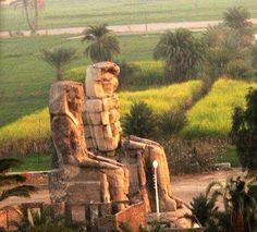 Egypte Ancienne, art et religion. Les colosses de Memnon (Luxor)