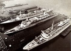 "One unrepeatable sight: 3 of the last  true liners built in the History after the 2nd world war, before leave the place to the modern ""boxes for cruises"", all together in new York port. From the upper: France, Queen Elizabeth 2 and Michelangelo."