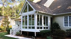 View the Patio Enclosures sunroom photo gallery featuring ideas for screen rooms, four season rooms, three season rooms & more. Screened Porch Designs, Patio Deck Designs, Screened In Patio, Patio Design, House Design, Exterior Design, Front Porch, The Wright House, Sunroom Windows