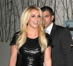 Britney Spears loose waves
