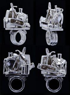 Ring-sculpture Rebecca Rose