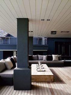 Piet Boon Styling — Karin Meyn Bright, open modern loft design. Neutral colours with dominant white and blue.