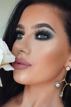 When it comes to prom makeup, we usually find ourselves at a loss for what to pair your prom dress with. We have searched and come up with a set of perfect makeup looks that go well with trendy prom dress colors! #makeupideas #prommakeup #promdress