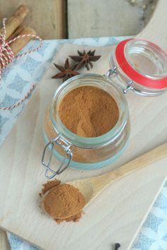 zelf speculaaskruiden maken Dutch Recipes, Home Recipes, Sweet Recipes, Fall Recipes, How To Eat Paleo, Food To Make, Do It Yourself Food, Pie Crumble, Homemade Seasonings