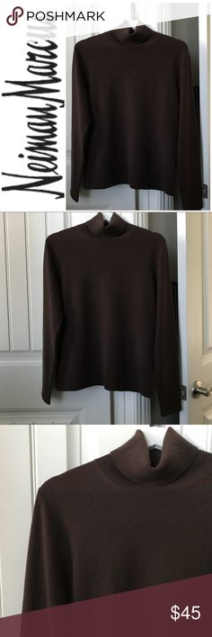 Neiman Marcus 100% Cashmere Sweater Size L Neiman Marcus Brown Turtle Neck 100% Cashmere Sweater Size L. Neiman Marcus Cashmere Collection turtle neck is absolutely beautiful, in pristine condition. This is a chance to own a gorgeous garment for a reasonable price...jump on this ladies!!! Two words, soft and warm!!! Love it!! 😍❤️ Neiman Marcus Sweaters Cowl & Turtlenecks