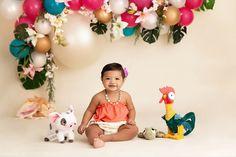 Moana Birthday Outfit, Moana Theme Birthday, Moana Themed Party, 2nd Birthday Party Themes, Moana Party, Luau Birthday, Birthday Cake Smash, Birthday Parties, Baby Moana
