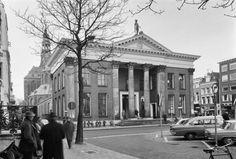 Groningen<br />De stad Groningen: Vismarkt 1966 met de korenbeurs