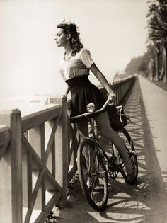 Susan Peters Rides Along the Sea (1943)  Actress Susan Peters takes in the view along Palisades Park. She was nominated for an Oscar in 1942 for Random Harvest. Tragically, a hunting accident in 1945 left her paralyzed below the waist. She died in 1948 from complications from the accident.
