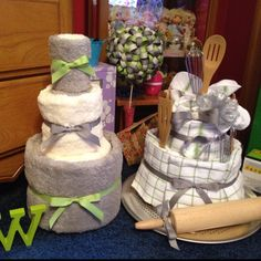 Towel cakes, made all of this :)