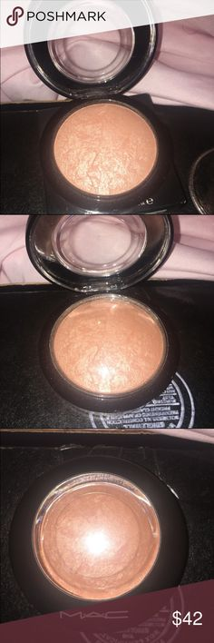 LE MAC TARAJI GLOW MINERALIZED SKINFINISH This is a brand new, never used LE MAC and Taraji collection mineralized skinfinsih. As we all know, MAC mislabeled these items so this is actually the LIGHT GOLD highlighter, not the reddish brown one shown in advertisement/pictures.  But this is authentic, purchased by me. MAC Cosmetics Makeup Luminizer