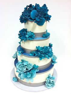 Something blue - wedding cake. View more tips & ideas on our Facebook Page : https://www.facebook.com/BoutiqueBridalParty