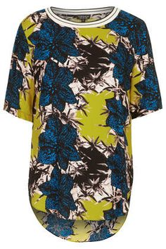 Discover the latest in women's fashion and new season trends at Topshop. Shop must-have dresses, coats, shoes and more. Ankara Designs, Spring Fashion, Fashion 2014, Fall Wardrobe, Printed Tees, Fashion Prints, Going Out, Topshop, Women Wear