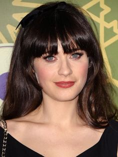 Zooey Deschanel's beauty secrets: Laventine Cleansing Oil, John Masters Organics pomegranate facial oil, (I've seen in other interviews that she also uses Tarte Marajuca Oil), and Oribe shampoo and conditioner. I also read in another interview that she only washes with water in the morning b/c her skin is dry, and that she uses either Dr. Jart or Dior bb creams, and Hourglass Calligraphy eyeliner pen.