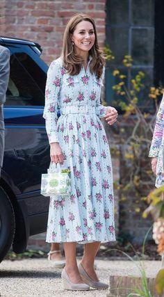 Kate Middleton Look Romantico Emilia Wickstead Moda Kate Middleton, Looks Kate Middleton, Kate Middleton Outfits, Latest On Kate Middleton, Kate Middleton Wedges, Estilo Real, The Duchess, Duchess Of Cambridge, Cute Dresses
