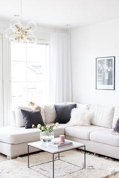 MODERNI KATTOKRUUNU OLOHUONEESEEN Sofa, Couch, Home Fashion, Dining Bench, Sweet Home, Villa, Living Room, Interior Design, Lifestyle